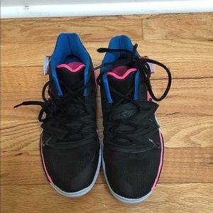 mezcla Contento Mala fe  Nike Shoes   Kyrie Irvings 5 Gs Just Do It Gym   Poshmark